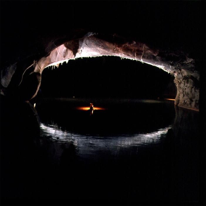 Cristian Lascu - The Arch in Bulba Cave -Fotografi Romani