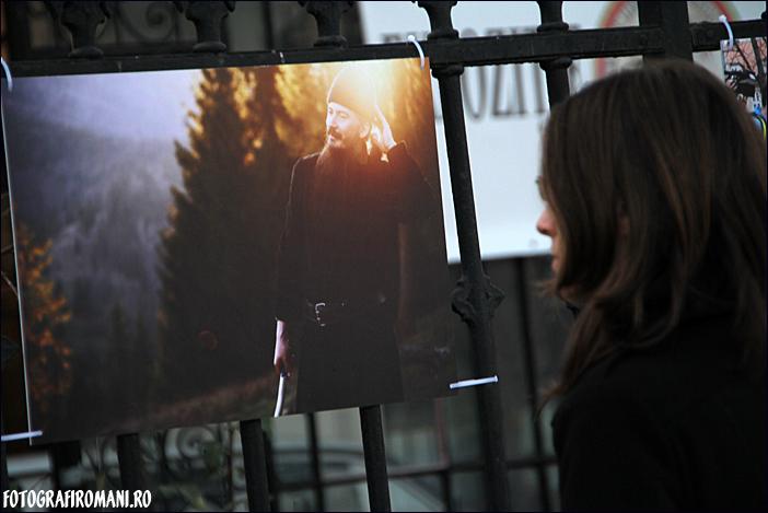 Cuvant inainte - Expozitia fotojurnalistilor 2011 - Ovidiu Micsik - Cristina Nichitus Roncea - Precum in cer, asa si pe pamant - fotografiromani_ro