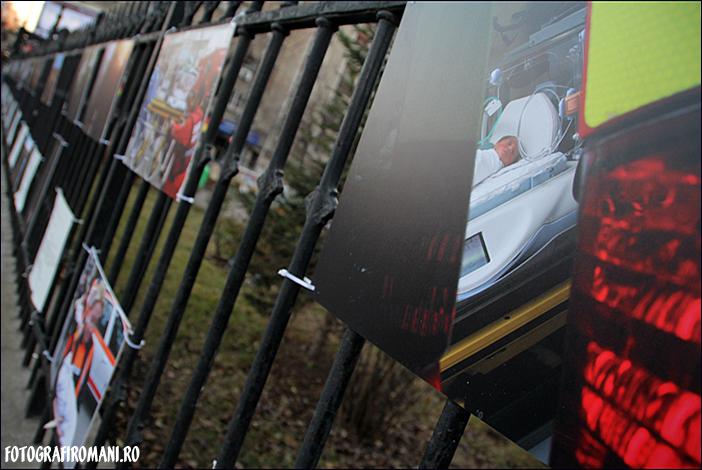 Cuvant inainte - Expozitia fotojurnalistilor 2011 - Ovidiu Micsik - Cristian Nistor - Mutare nou născuţi, spitalul Caritas - fotografiromani_ro